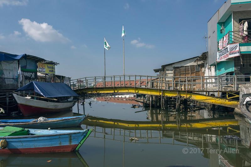 The yellow bridge, inner harbour, Sunda Kelapa, Jakarta, Indonesia