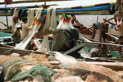 Repairing trammel nets
