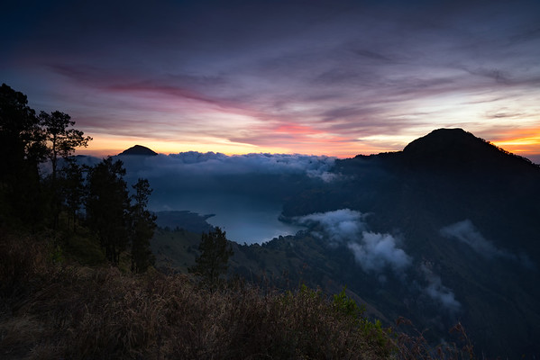 Sunset over the Mount RInjani crater