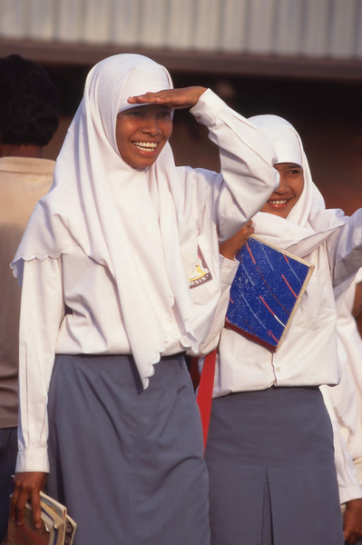 Muslim schoolgirls, Ende, Flores, Indonesia.