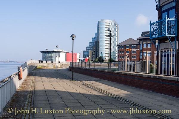 Herculaneum Dock, River Wall, Liverpool - May 04, 2020