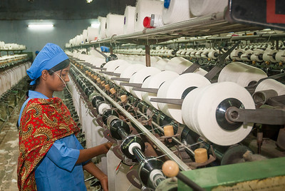 Bangladeshi  Garments Machineries With Worker