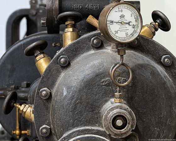 De Laval steam turbine and constant current generator, 30 kW