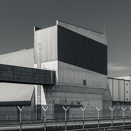 Dry cargo terminal III