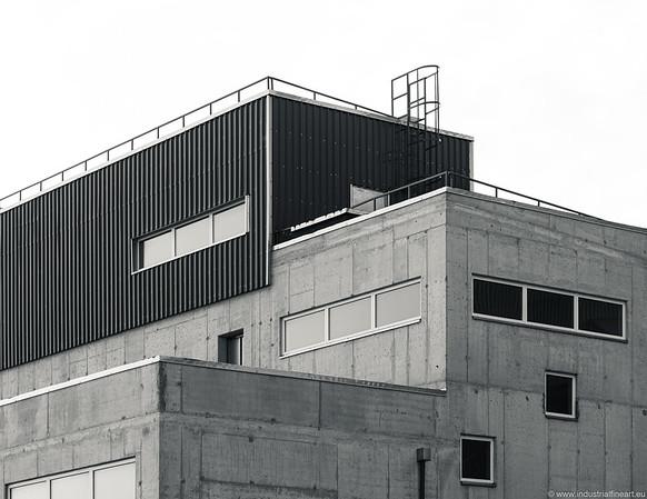 Dry cargo terminal I