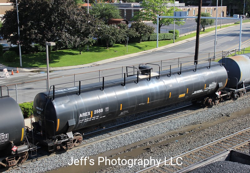 Aeropres Corporation Trinity 33,645 Gallon Tank Car No. 2588
