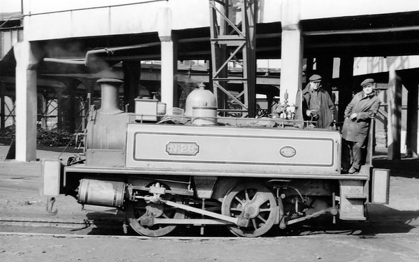 No.28 N 5230/1897 Neilson 0-4-0T built in 1897 (Works No.5230) and supplied new to Beckton.  It was rebuilt in the workshops at Beckton in 1930.  Scrapped in 1962.