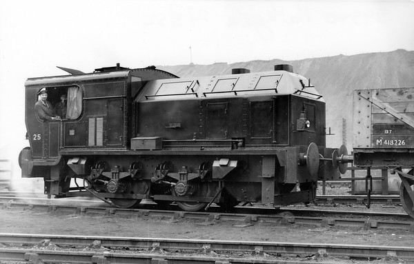 25 (S 9539/1952) at Parkgate Steelworks, Rotherham2nd March 1952