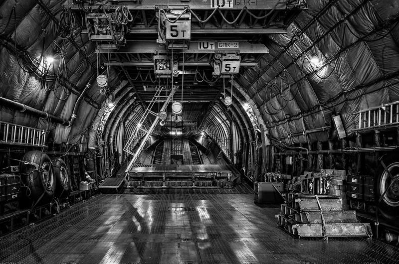 Antonov_Mono_024_L