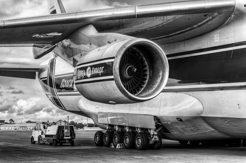 Antonov_mono_001_L