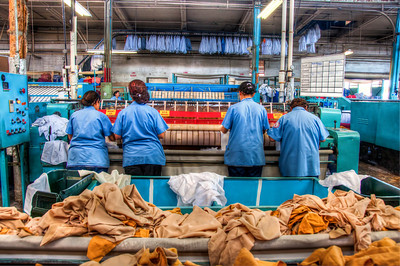 commercial-laundry-workers-5