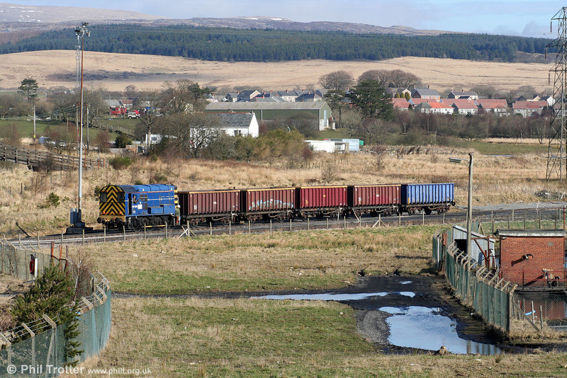 08523 shunts the MEAs for the afternoon's 6F81, 1350 Onllwyn to Margam on 21st February 2009.