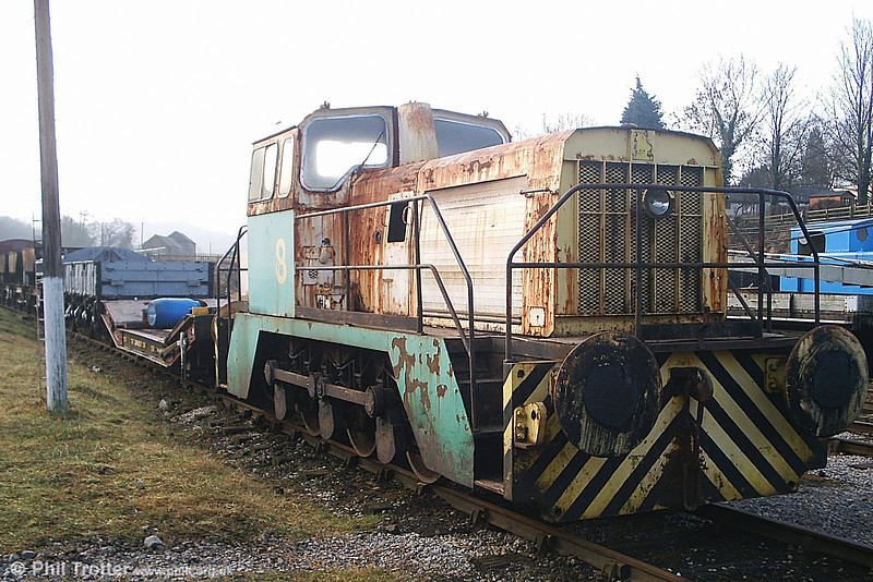 A closer look at former BP Llandarcy 0-6-0DHF no. 8 (Thomas Hill no. 246V/1973) at its new home at Wirksworth, EVR on 20th February 2009. (Picture courtesy Richard Buckby, EVR).