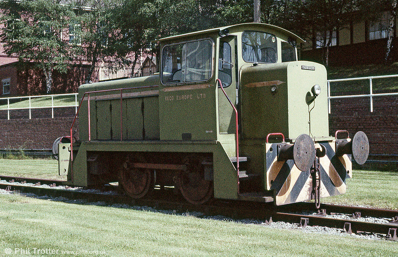 The cab end of English Electric 0-4-0DH no.1205 of 1967 at Clydach Mond works on 2nd June 1985.
