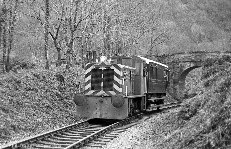 North British 0-4-0DH (27654/1956) 'Dylan Thomas' approaches Llwyfan Cerrig, Gwili Railway.