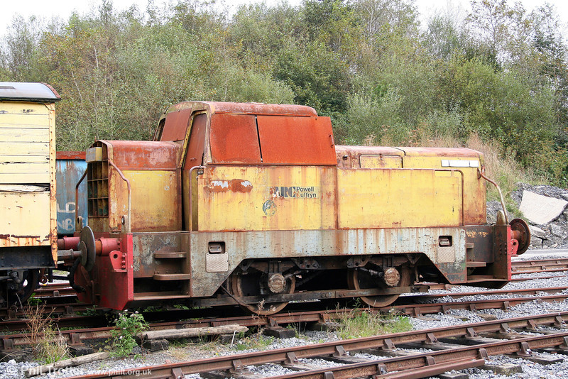 Sentinel 10222 of 1965 at the Llanelli & Mynydd Mawr Railway, Cynheidre on 19th September 2009.