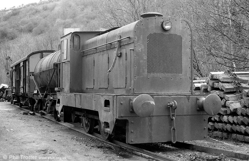 Former BSC Dowlais Foundry Hudswell Clarke 0-4-0DM (D1246/1961) at Conwil Elfed, Gwili Railway on 19th February 1995.