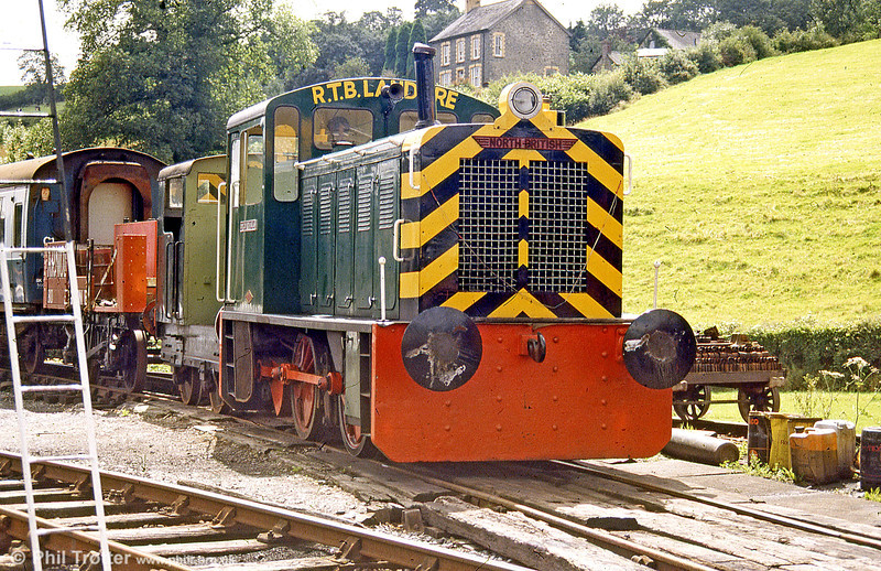 North British 0-4-0DH (27654/1956) 'Dylan Thomas' at Bronwydd Arms, Gwili Railway in August 1988.