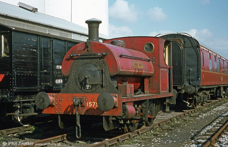 Peckett 0-4-0ST (1579/1921) 'Pectin' at Bulmer's, Hereford on 18th April 1981. Its working life was spent at the British Aluminium Co (BAC), Burntisland, Fife, Scotland.