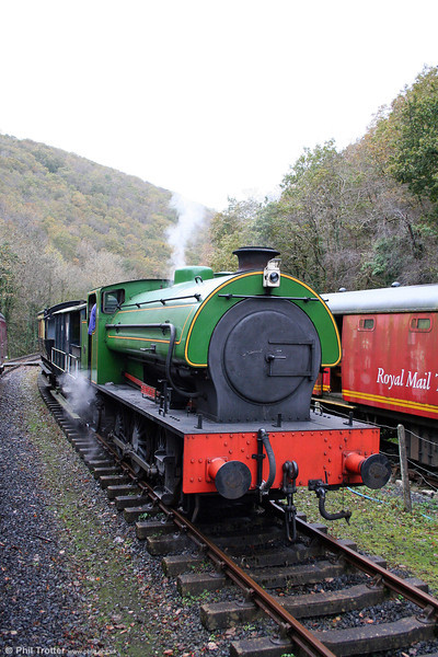 Austerity 0-6-0ST 'Haulwen' waits in the loop at Llwyfan Cerrig 25th October 2008.