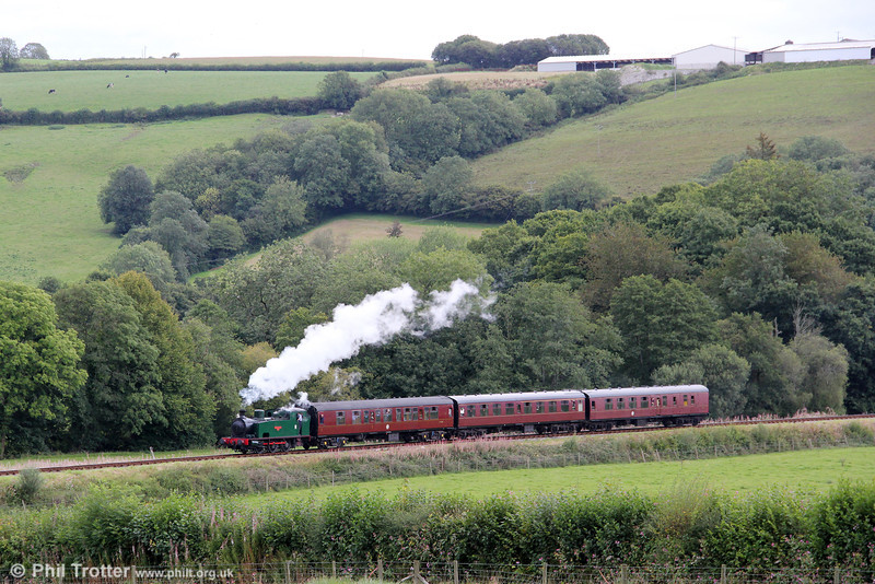 Hudswell Clarke 0-6-0T 'Jennifer' (HC1731/1942) approaches Cwmdwyfran with the 1450 from Bronwydd Arms, Gwili Railway on 29th August 2011.
