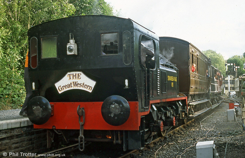 Sentinel 4WVBTG no. 9622/1958 'Swansea Vale No.1' ready to head a members' special to Llwyfan Cerrig, Gwili Railway in September 1995.