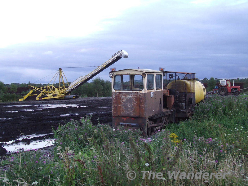 It seems LM232 is currently not fit for traffic and I would guess have been in Derrylea for some time. Thurs 07.07.08