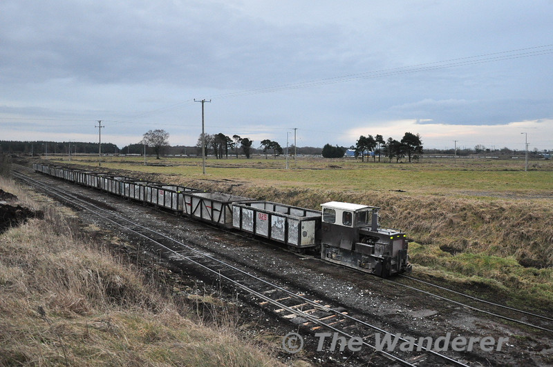 Less than 30 minutes after arriving the two trains head back to the bog for another load of peat for the power station. Sat 20.02.10