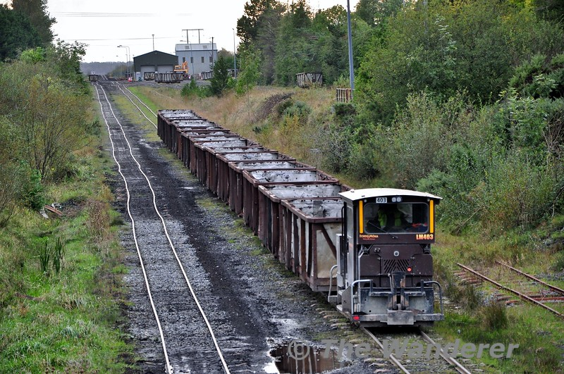 LM403 heads away from Shannonbridge with an empty peat train for loading. Fri 11.10.19