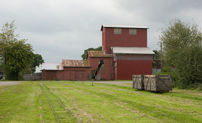 The bagging and drying plant.