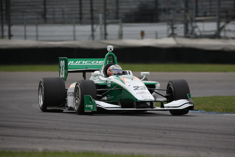 En octubre, Franzoni probó un auto de Lights de Juncos en el circuito mixto de Indianapolis (FOTO: Joe Skibinski/IMS Photo)