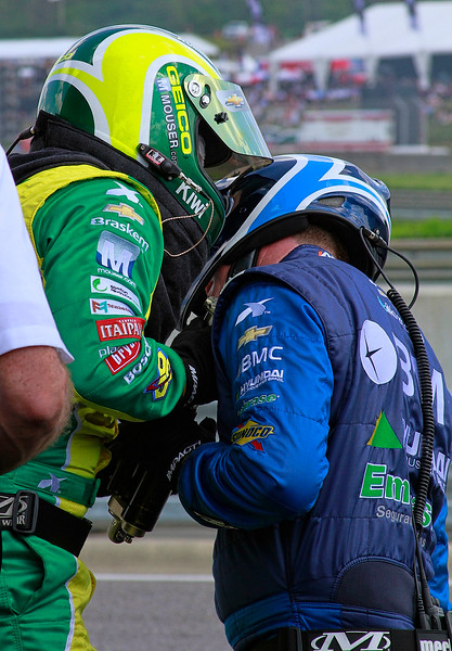 KV Racing IndyCar Kanaan and Barrichello teams address damper spring problem Barber