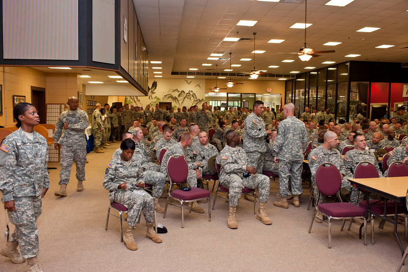 10SEP2010 - 198th Cadre Call and awards ceremony for Drill Sergeant and NCO of the Year.  Location - The Sand Hill Club at Fort Benning, GA.  Photo by John D. Helms - john.d.helms@us.army.mil
