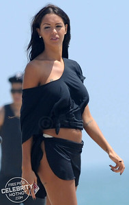 Model Nabilla Benattia Shows Off Her Cheeky Side Filming on Venice Beach!