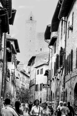 Looking around San Gimignano @PatrickKilian Light In The Black Photography