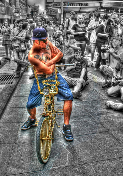 Photography by Carol A. Marinas : New York City -  Center of Attention