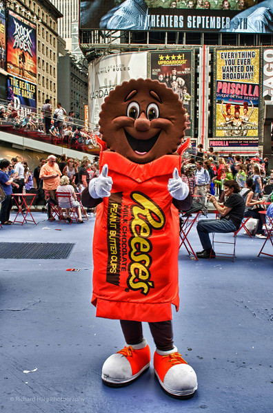 Photography by Rich Haig :  - Rich Haig - Reeses - two thumbs up