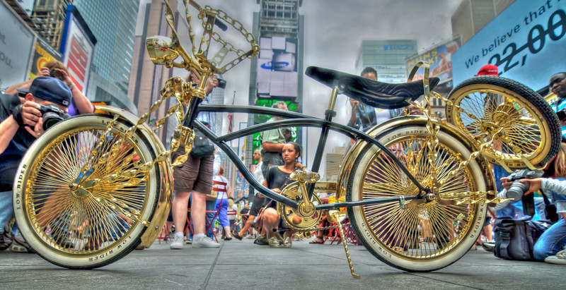 Photography by Alex Racanelli : Times Square - Whata Bike!