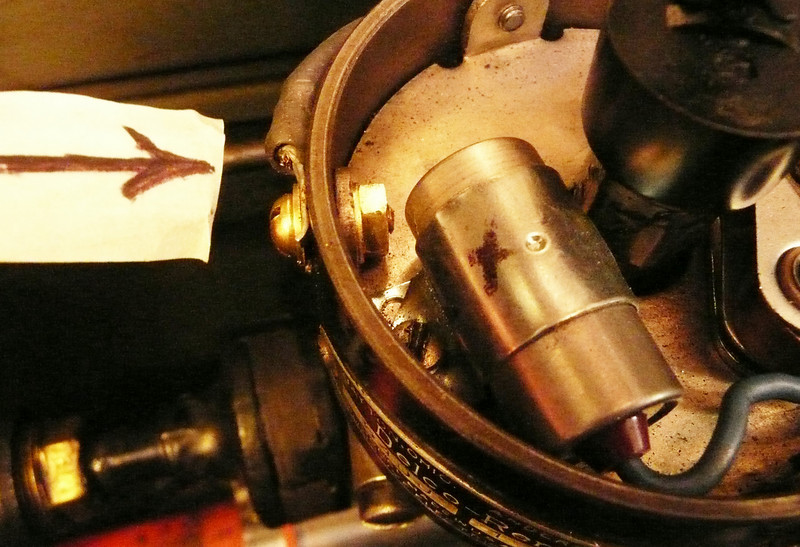 Distributor Grounding Photo #1 (by Richard Coulombe)