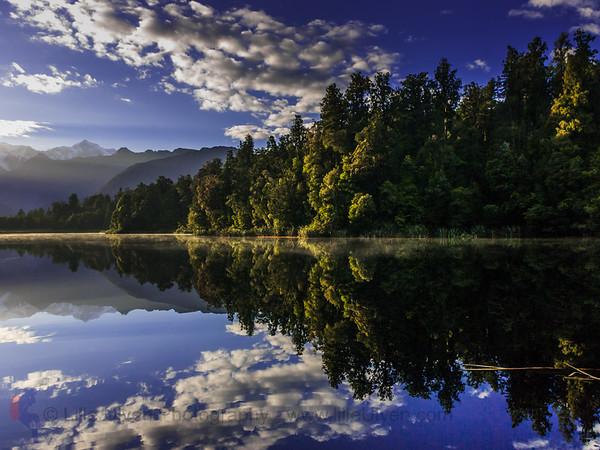 Reflektionen in Lake Matheson