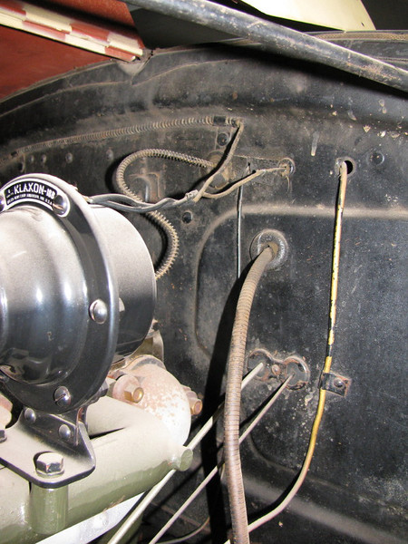 29-49X - Right hand Drive: Horn and other cable going through firewall (courtesy Phil Green)