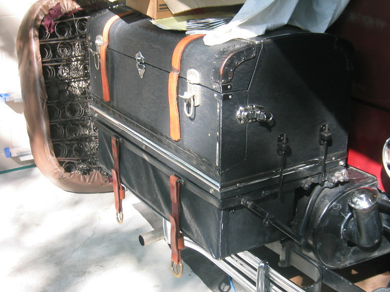 Trunk on 29-44 with extra storage trunk added under trunk rack