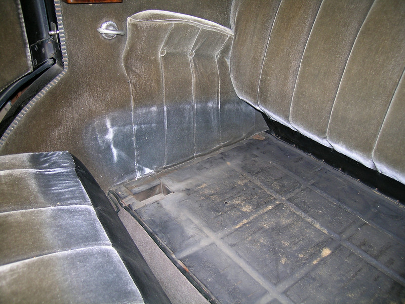 29-57 - Interior - rear seat cushion position