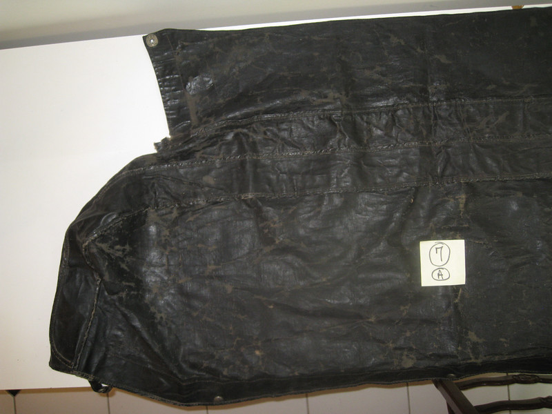 29-44:  Top / Boot cover - from outside (left side). Front of car is at bottom.