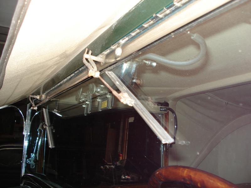 29-54CC - McLaughlin Buick Wiper Motor / Wiper Blade Set-up