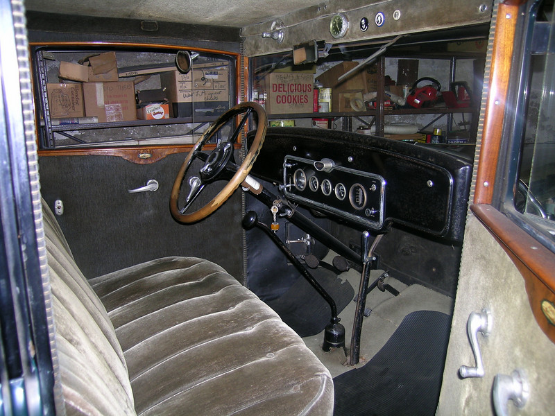 29-57 - Interior  (Note clock on head board and decal under windows)