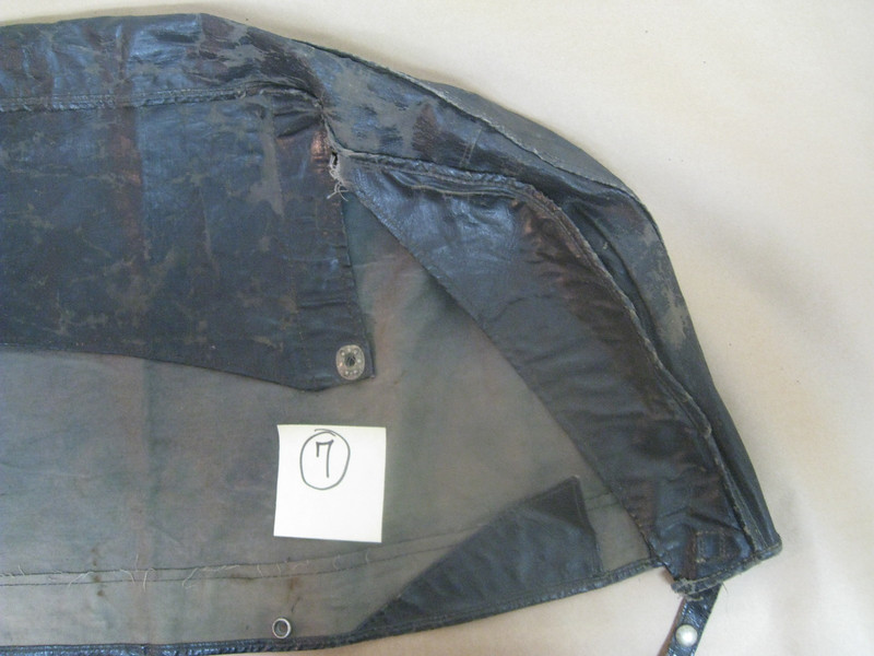 29-44:  Top / Boot cover - from inside (right side). Front of car is at bottom.