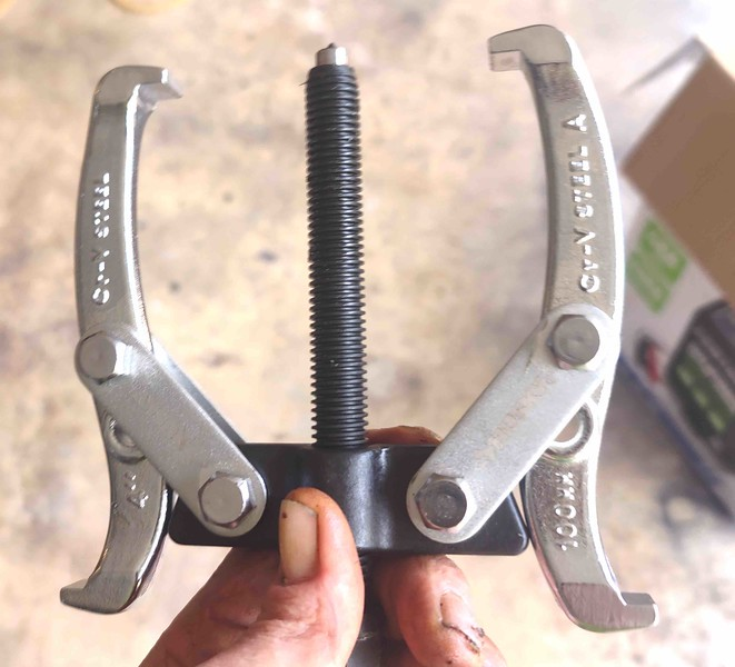 Wheel Puller - bought at Home Depot for $20US - used to pull hub on wheels demountable at hub (standard wood wheels).  Home Depot:  Internet #205738372; Model # HGP424;  Store SKU #1001224331.