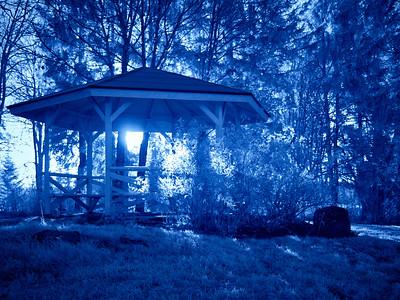 Summerhouse in blue