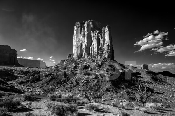 Monument Valley_9-28-19_DSC2353_720nm_BW SMUG